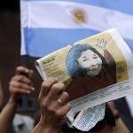 """Muere Mercedes Sosa, la """"cantora"""" más importante de la historia argentina"""