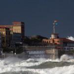 La mar embravecida nos recuerda que la naturaleza es muy poderosa
